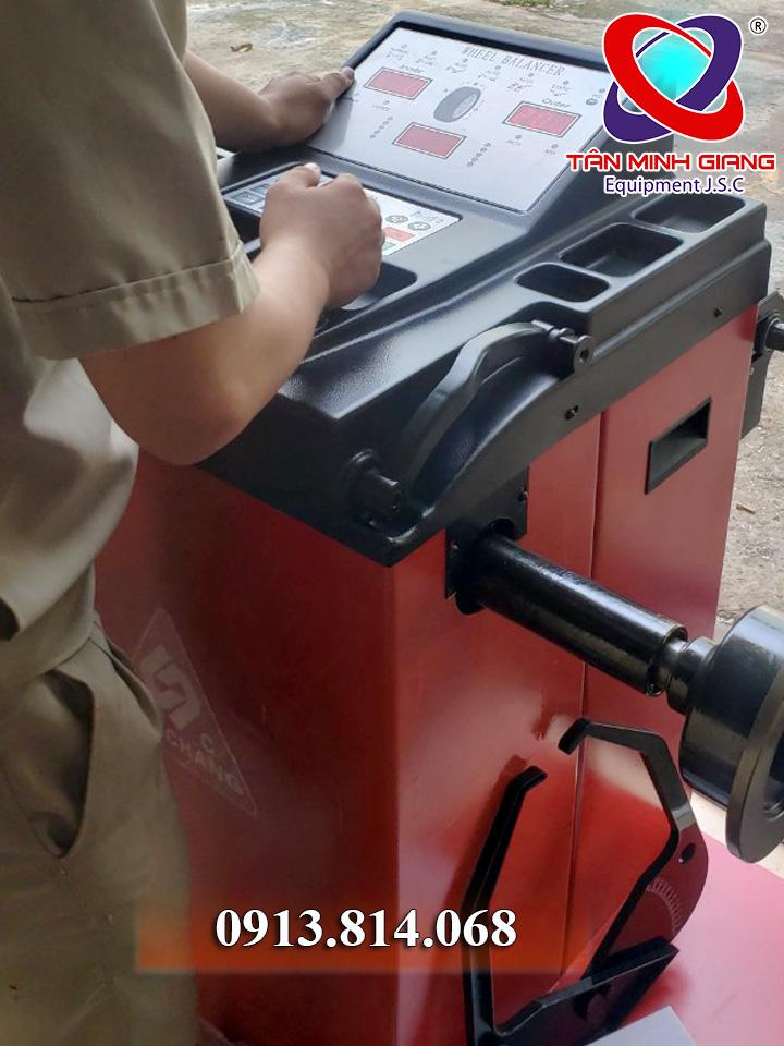 máy cân bằng động gaochang gc-660